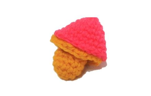 キノコの編みぐるみ